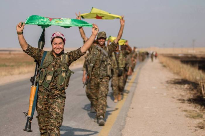 kurdish-ypg-fighters-capture-tak-abyad